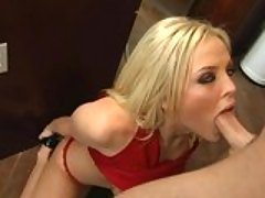 Blonde hooker Alexis Texas gets ...