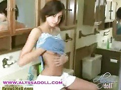 Alyssa Doll gets horny and mastu...
