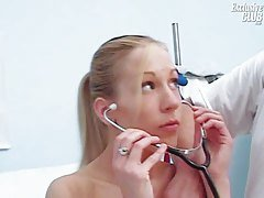 Gynecology speculum pussy exam o...
