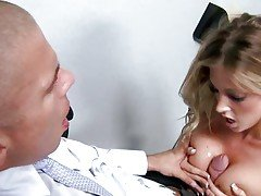 Blonde waitress Samantha Saint g...