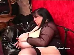 German Goth BBW shows her amazin...
