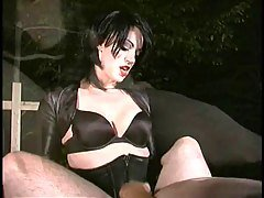2 Femdoms strapon fuck...