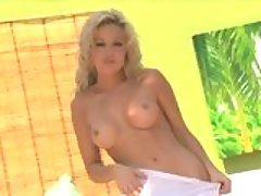 Hot nympho Kayden Kross strips o...