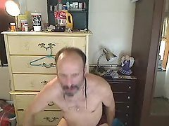 just got web cam playing in my u...