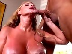 Big tit whore Taylor Wane shower...