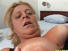 CASTING mature big woman dutch o...