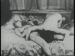 Vintage Porn from lesbian to cr...